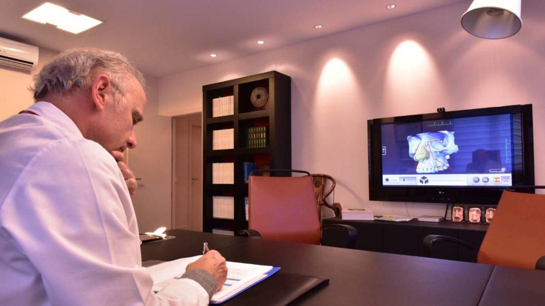 Despacho consulta médica del Dr Juan Monreal · Estudio de Rinoplastia · Centro de Cirugía Estética en Madrid