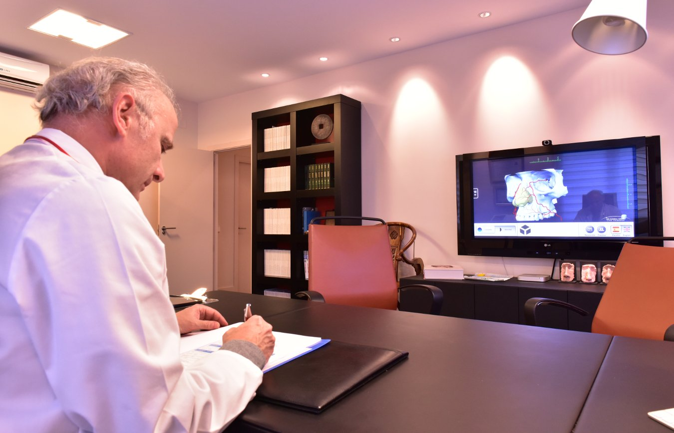 Consulta cirugía estética Dr Juan Monreal en Calle Serrano 207 Madrid